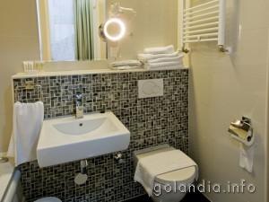 ванная комната отеля Larende в Амстердаме
