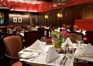 Ресторан отеля De Roode Leeuw в Амстердаме