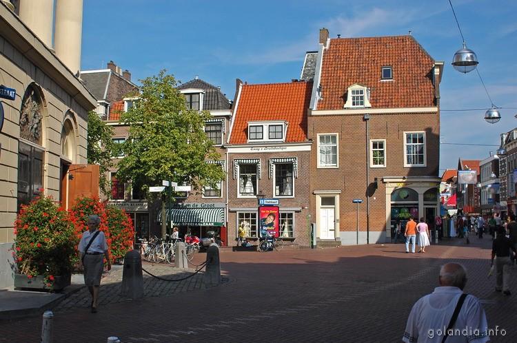 Площадь Haarlemmerstraat