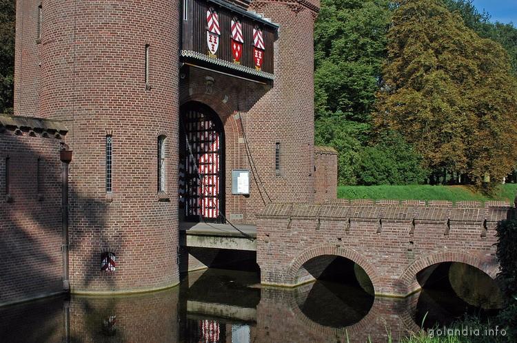 Ворота замка де Хаар