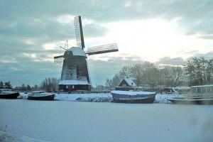 В Нидерландах замерзли каналы