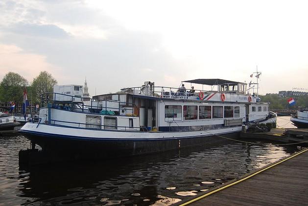 houseboat Vita Nova. Варианты жизни на воде (Амстердам)