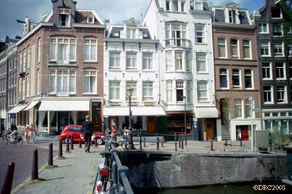Amsterdam Hotel Wiehmann   прямо на канале (Амстердам)