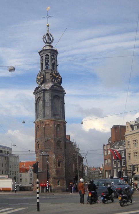 Башня Мюнт. На диво изящная конструкция (Амстердам)