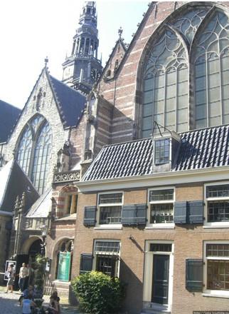 Oude Kerk   церковь с историей. Амстердам