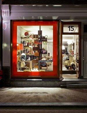 Dominio   мужской итальянский магазин. Амстердам